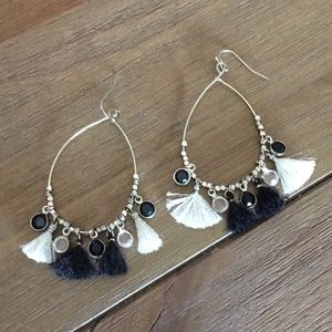 Jewelry - Tassel Earrings Black/Ivory